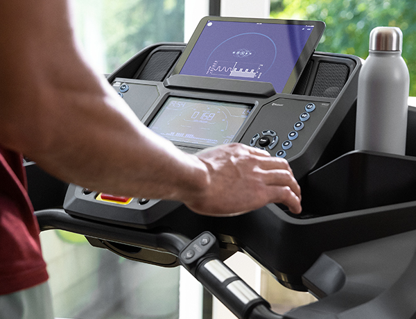 man using JRNY App for treadmills