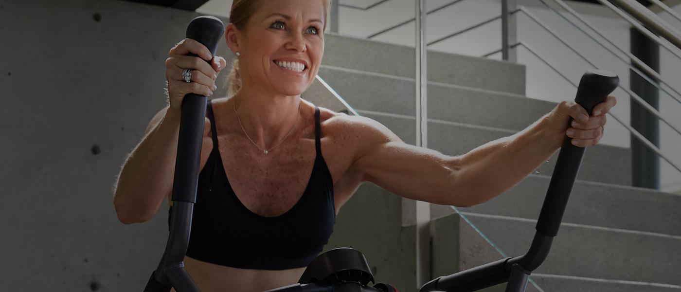 Jill en una Max Trainer
